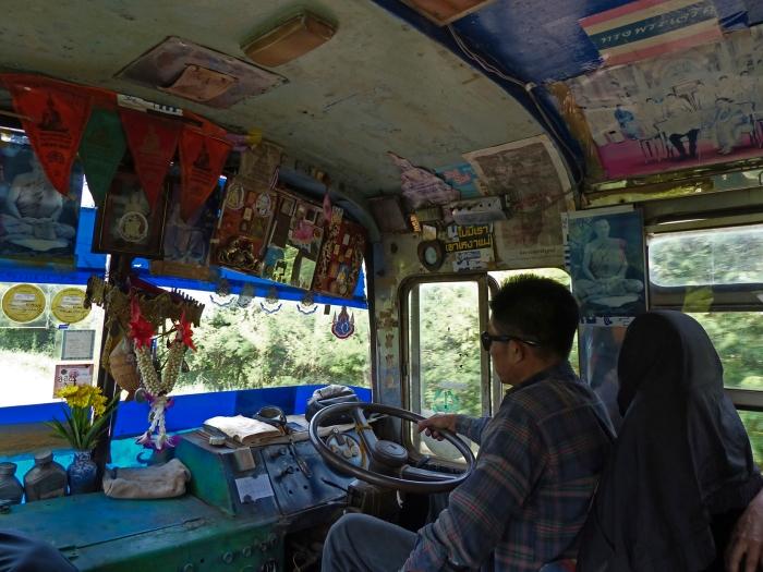 Bus to Tha Bo