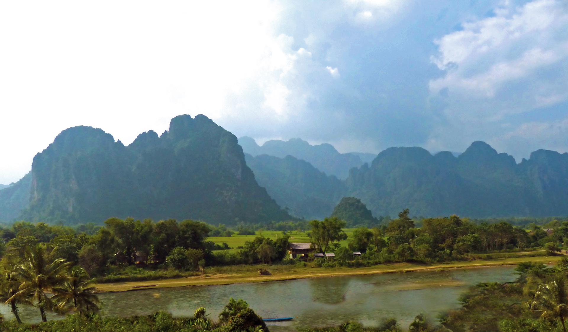 Getting into shape in vang vieng for Domon river guesthouse vang vieng