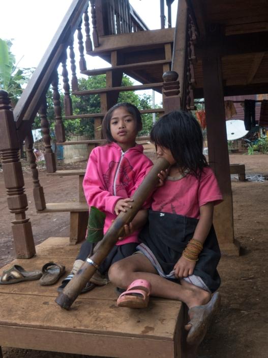 Young Katu Girls and waterpipe