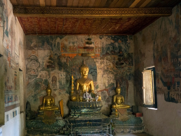Wat Pahousak walls covered with murals from 1860
