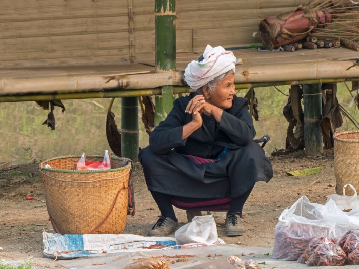 Lahu women at the market